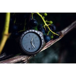 LAiMER Holzuhr BLACK EDITION - Herren Armbanduhr 100% Sandelholz aus Südtirol
