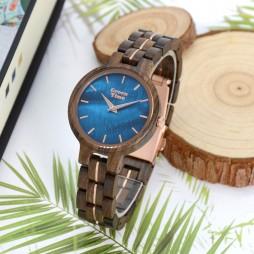 GreenTime Holzuhr Bluemoon - Damen Armbanduhr aus Sandelholz